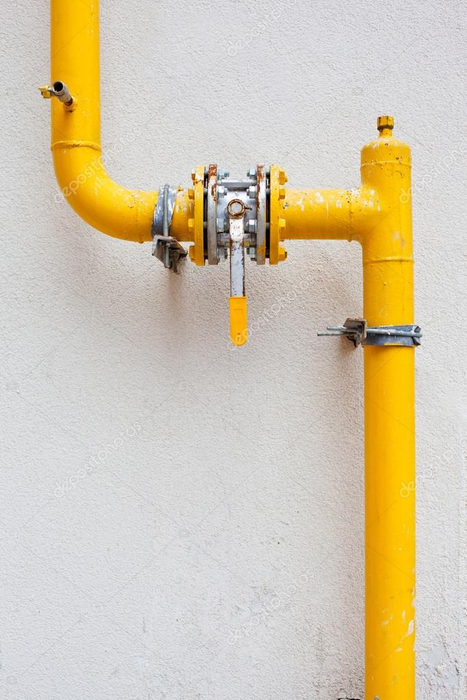 depositphotos 12624297-stock-photo-yellow-gas-pipe-with-a