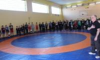 Юні борці отримали новий килим